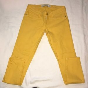 Albercrombie & Fitch yellow jeans